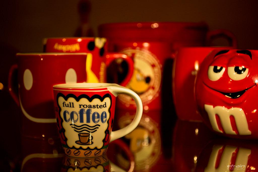 2012-01-01: La casa de las tazas rojas