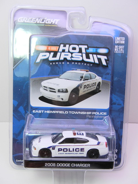 greenlight hot pursuit 2008 dodge charger (1)