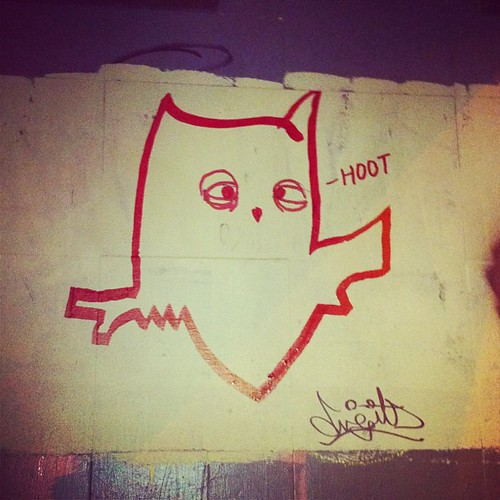 Owl graffiti