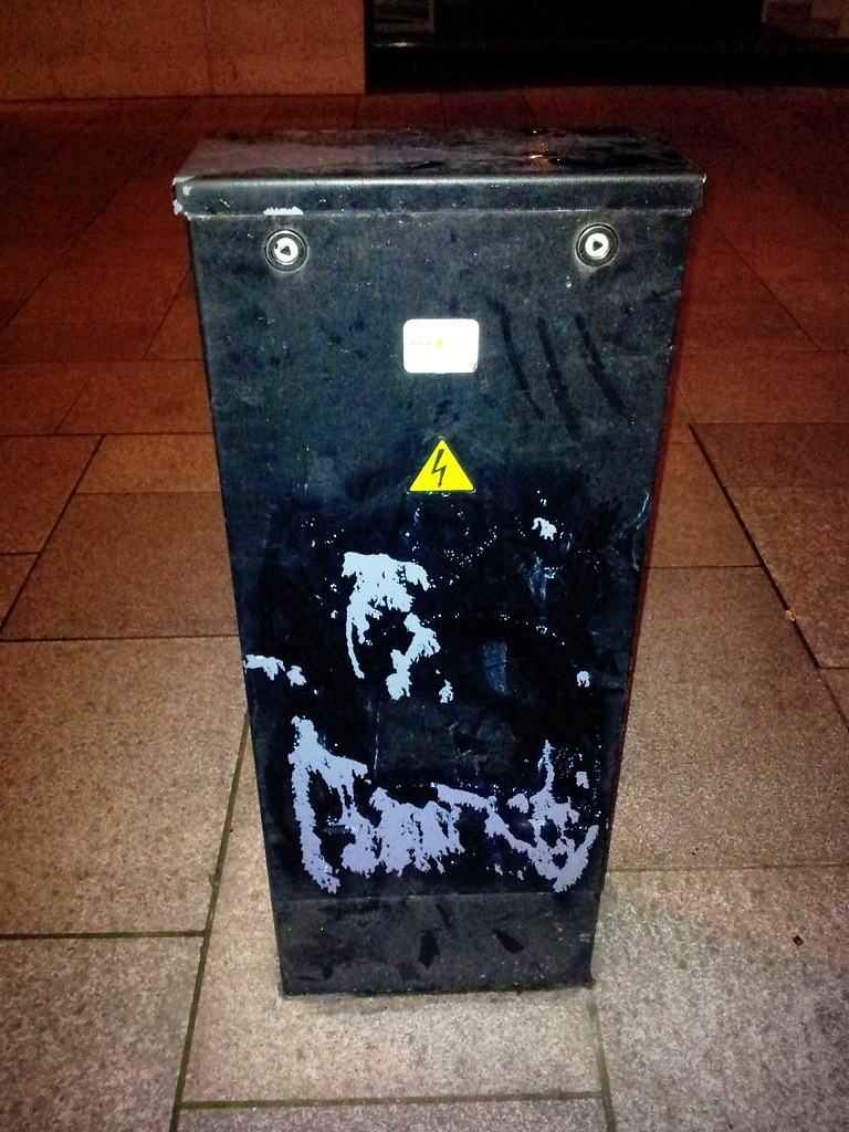 Facility box AFTER grafitti had been removed by Cardiff Council