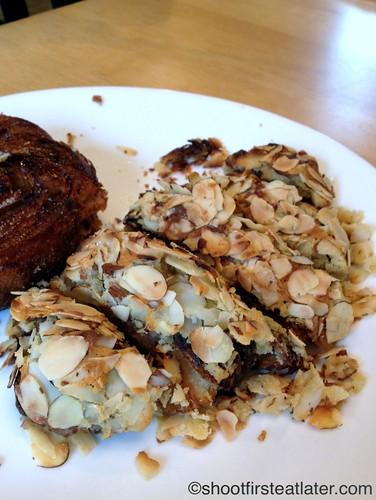 La Boulange SF- almond croissant