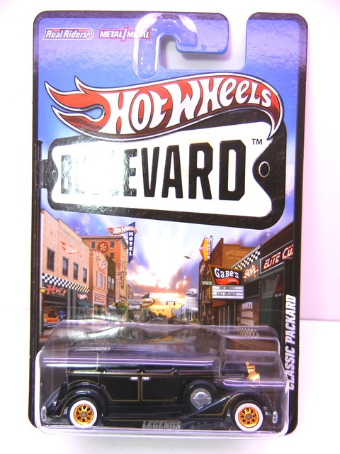 HOT WHEELS BOULEVARD CLASSIC PACKARD (1)