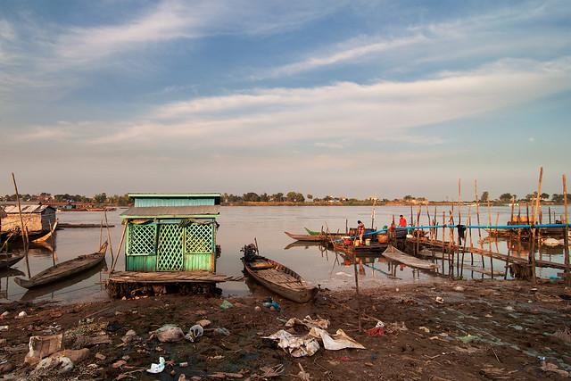 Tonle Sap River Bank at Chrang Chamres