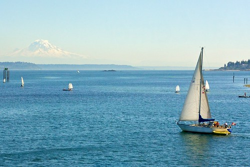 sale boat and Mt Ranier
