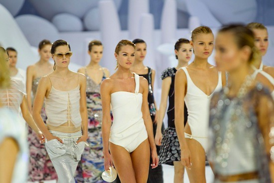Spring 2012 RTW Collection - Candids (23)