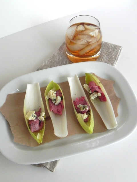 Endive with roast beef, blue cheese and whiskey sours