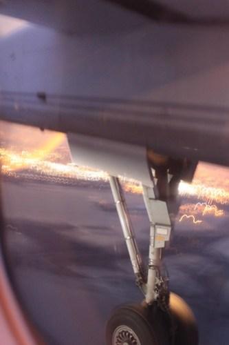 Landing gear, engage.