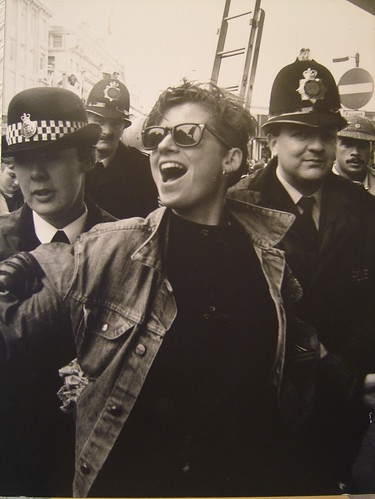 Lesbians take over Piccadilly Plaza, Feb 1988