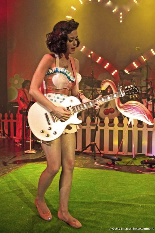 Katy Perry in Repetto