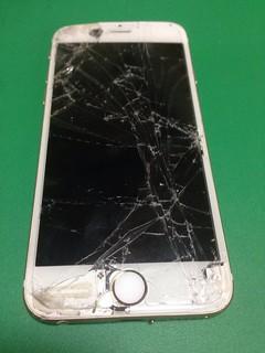 86_iPhone6のフロントパネル液晶割れ