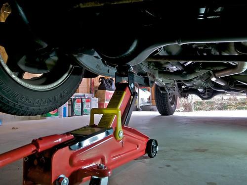 Suzuki Jimny JB23W — Replacing Tires