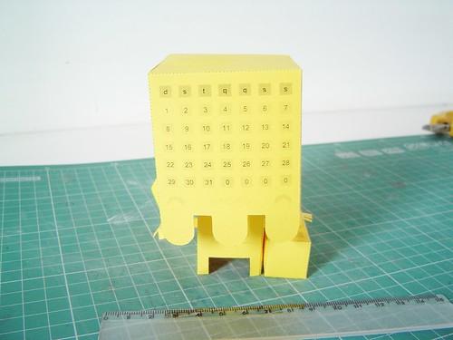 Frente do protótipo do calendário Paper Toy de Janeiro de 2012