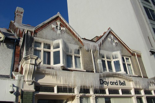 Frozen building - North Finchley