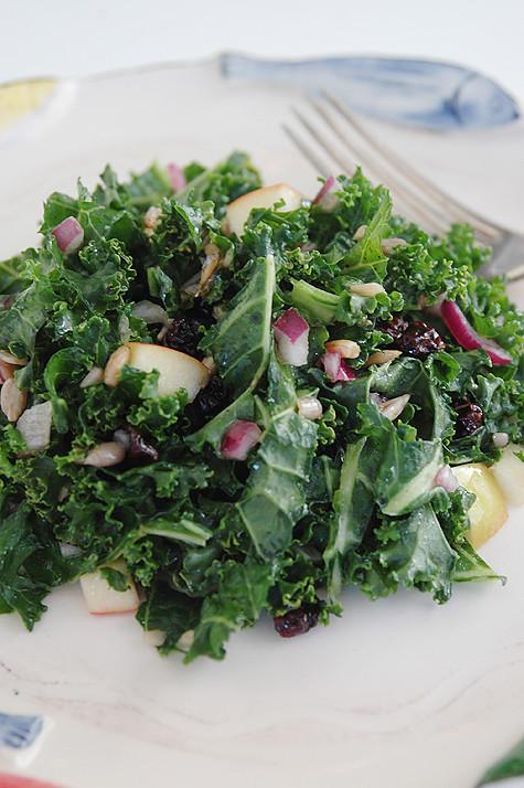 kale-salad-currants