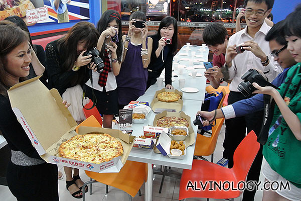 Domino's lovely marketing manager, Linda, introducing the bloggers to Domino's