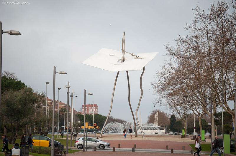 modern statues in Barcelona