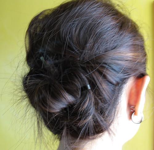 2-pins hairdo