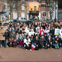 "La photo ""Tous ensemble contre l'abstention"" place de la Fraternité, Roubaix"