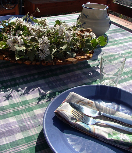 First tablescape outside 2012!