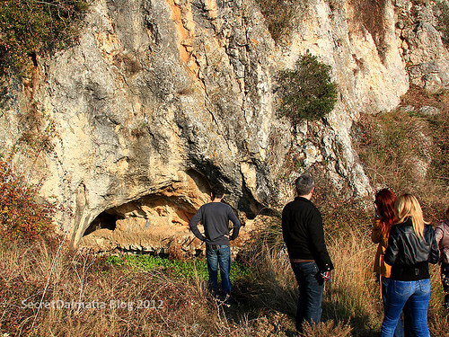 Cave the Roman aqueduct was passing through