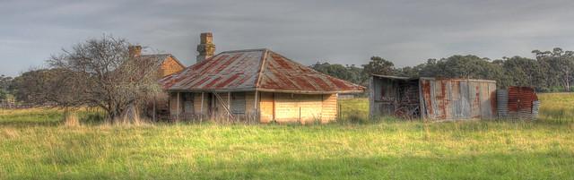 Derelict Farmhouse Oaklands Junction 2012-04-03 (_MG_5638_39_40_41_42_43)