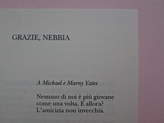 W. H. Auden, Grazie, nebbia; Adelphi 2011 [responsabilità grafica non indicata]. Pagina dell'esergo (part.), 1