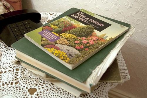 Nana: Gardening books