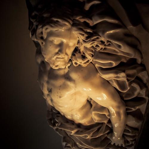 """""""Christ gisant"""", sculpture de Jean Delcour, Cathédrale Saint-Paul, Liège"""
