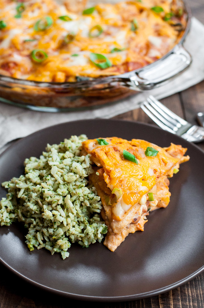 The TASTIEST 30-minute veggie enchilada pie, to use up leftover veg in the fridge for a brand new weeknight dinner.