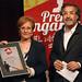 Isabel Moreno amb el guardó entregat per Joan Carrión