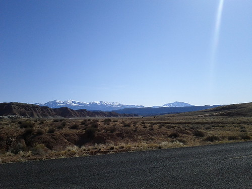 Road between the visitor's center and Burr Trail
