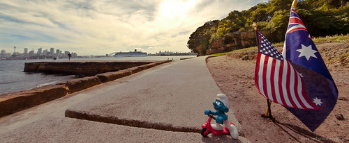 Travelling Mascot in Sydney