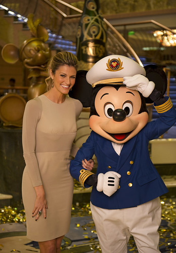 Erin Andrews, Mickey Mouse