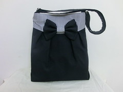 Mya bag in dazzling black