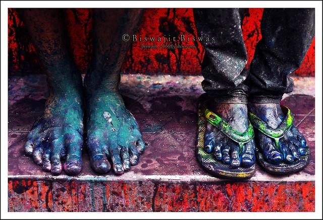 Holi : Happy feet - 35 Colorful Collection of Holi Photos