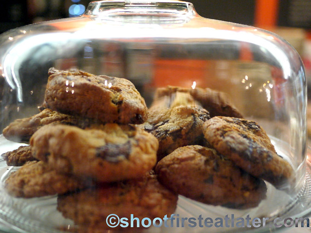 chocolate chip with walnuts cookies $2