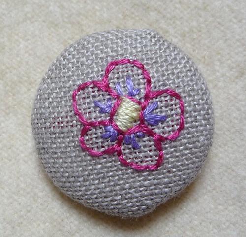 flower button by Samantha Halliwell