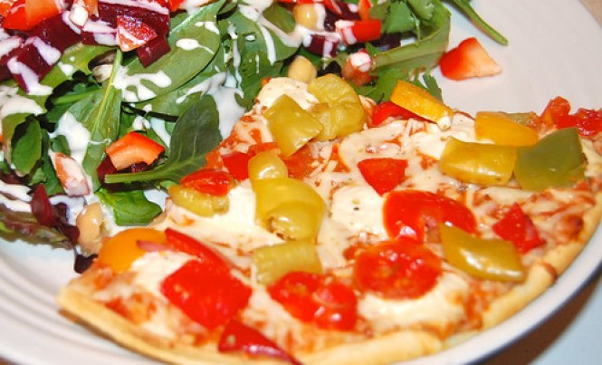 Dr. Oetker pizza and salad