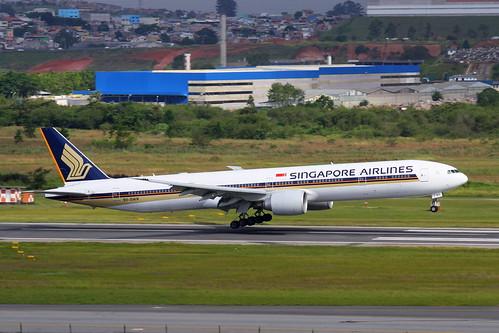Singapore Airlines   Boeing 777-300ER @ SBGR