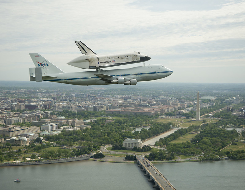 Space Shuttle Discovery DC Fly-Over (201204170012HQ)