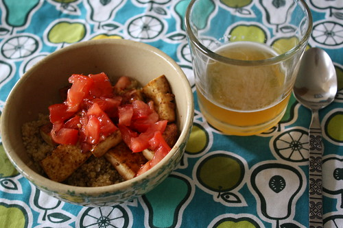 Quinoa, tofu and roma tomatoes; beer