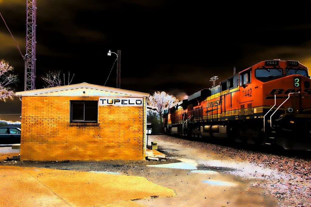 Tupelo Station Solarized