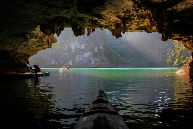 kajaking i Halong Bay, Vietnam