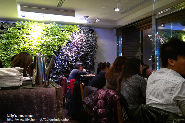 這是站前店的一個角落,我們在用餐的時候沒有任何空桌,生意很好。