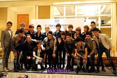 Boyfriend & Thai group BOP!