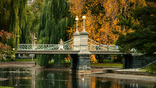 Boston_Public_Garden_Suspbridge-Edit