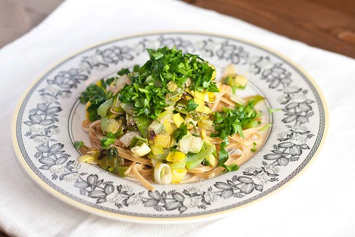 Whole Wheat Linguine with Leeks and Parsley (2 of 3)