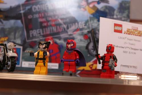 Toy Fair 2012 - LEGO Marvel Super Heroes - 6866 Wolverine's Chopper Showdown - 07