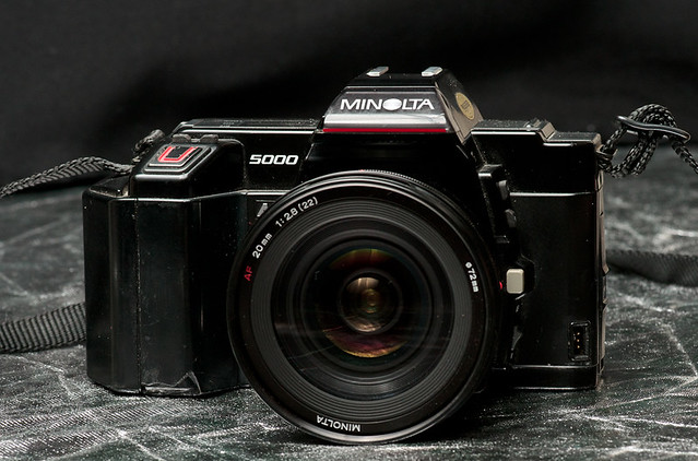 Minolta Maxxum 5000 + 20 mm f/2.8