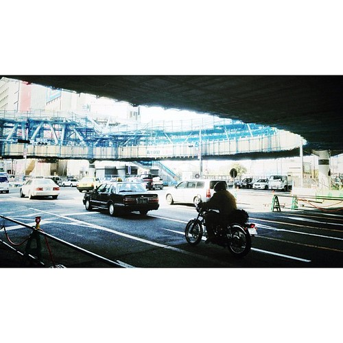 阿倍野歩道橋の下を走る。 #iphonography #instagram #iphone4s